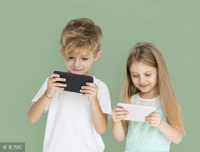 教育局禁止老师通过微信群布置作业,引无数家长热议,你怎么看?