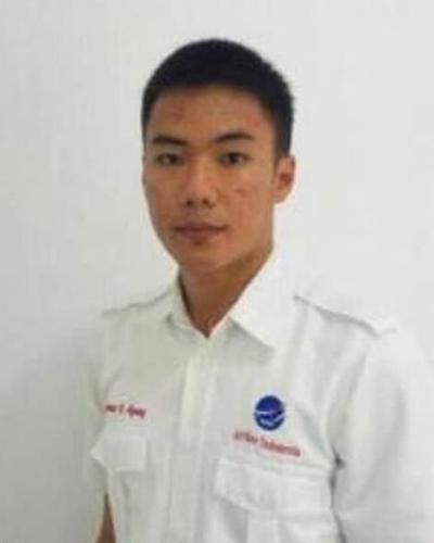 """印尼海啸丨21岁的""""英雄""""空管员,指挥飞机安全起飞后遇难"""