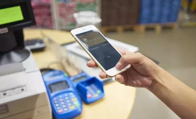 网贷逾期,支付宝或微信里的钱会被扣走吗