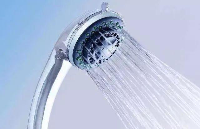 洗澡不能先洗头,否则可能会丧命?别慌,科学的解读来了