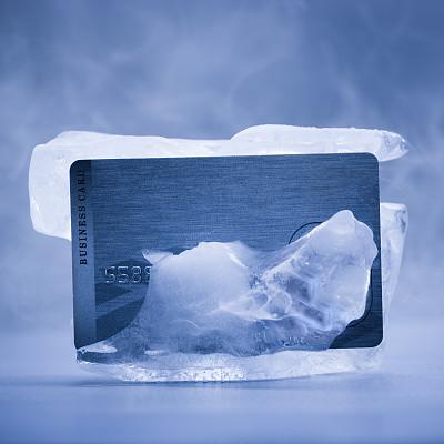 """信用卡冻结的原因是什么?根据冻结原因""""对症下药""""才能解冻"""