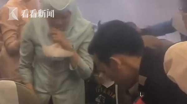 香港飞文莱航班充电宝爆炸起火 烟雾满舱引发恐慌