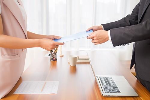 网贷逾期被催收上门要如何应对?这3点很多人可能都不知道