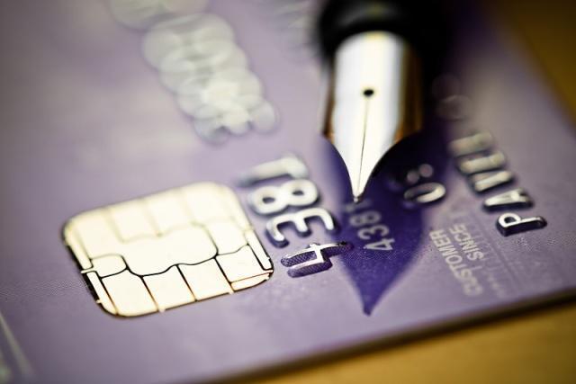 信用卡欠了6万元,无力还款了,会被抓去坐牢吗?该如何避免?