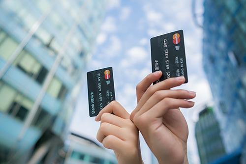 为什么说千万不要办信用卡,什么人从来不用信用卡