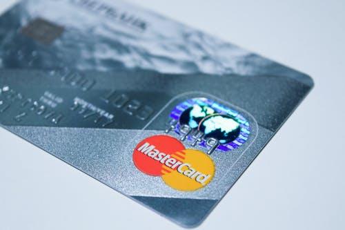 信用卡过期要换新卡但是地址变了怎么办?