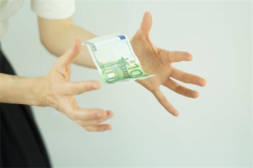 信用卡逾期,欠5千和欠5万的差别原来这么大!