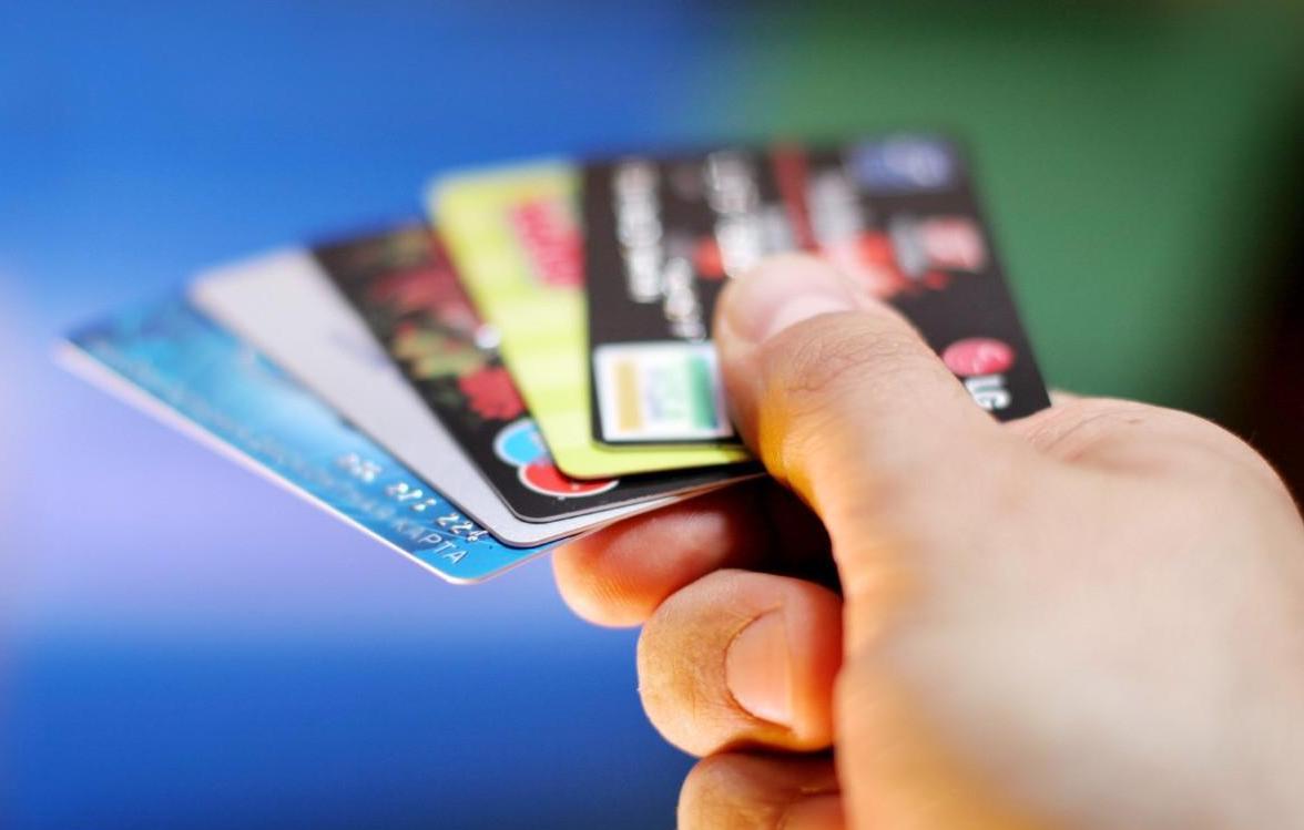 信用卡逾期能坐飞机吗?这种情况就危险了!