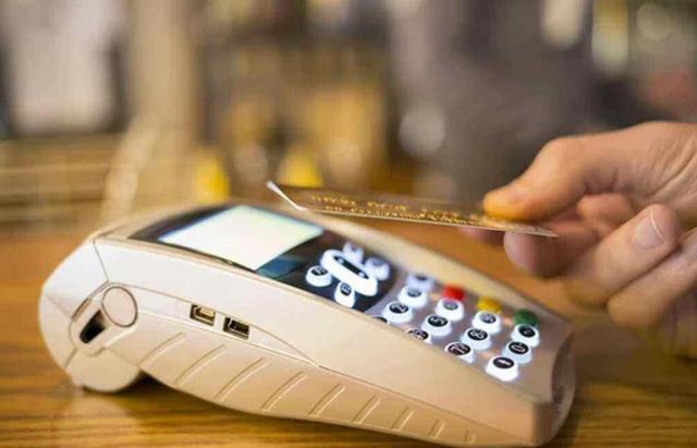 光大银行信用卡逾期3万,银行法务说不还就起诉,是真的吗?
