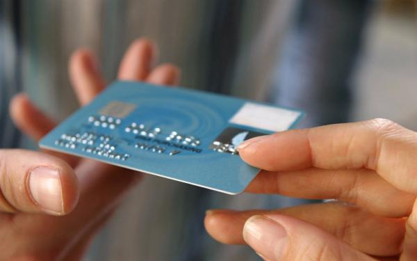 欠信用卡的钱一般多久会被起诉?欠信用卡的钱一直不还会怎么样?