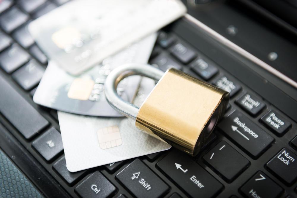 """""""信用卡还不上?60个月还清免除利息和手续费......"""""""