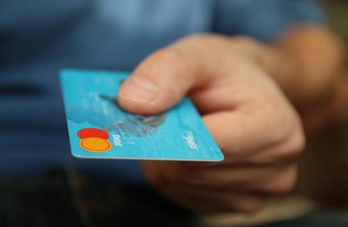 你的信用卡年费免了吗?