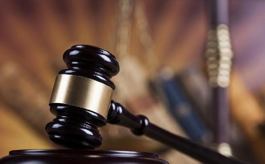 信用卡借给朋友后被刷8.5万元,到期后对方拒还钱,法院判了