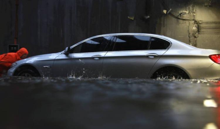郑州遭遇特大暴雨:财险报案超2.5万件,投保时间不同,车险理赔有差异