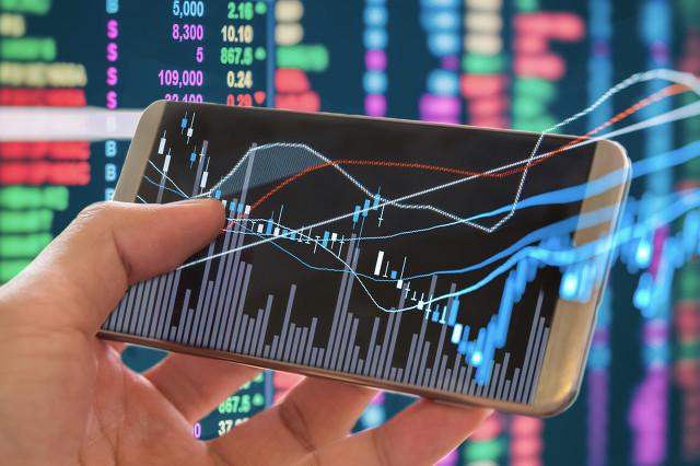 上半年净利润大增130% 宁德时代盘中大涨超5%
