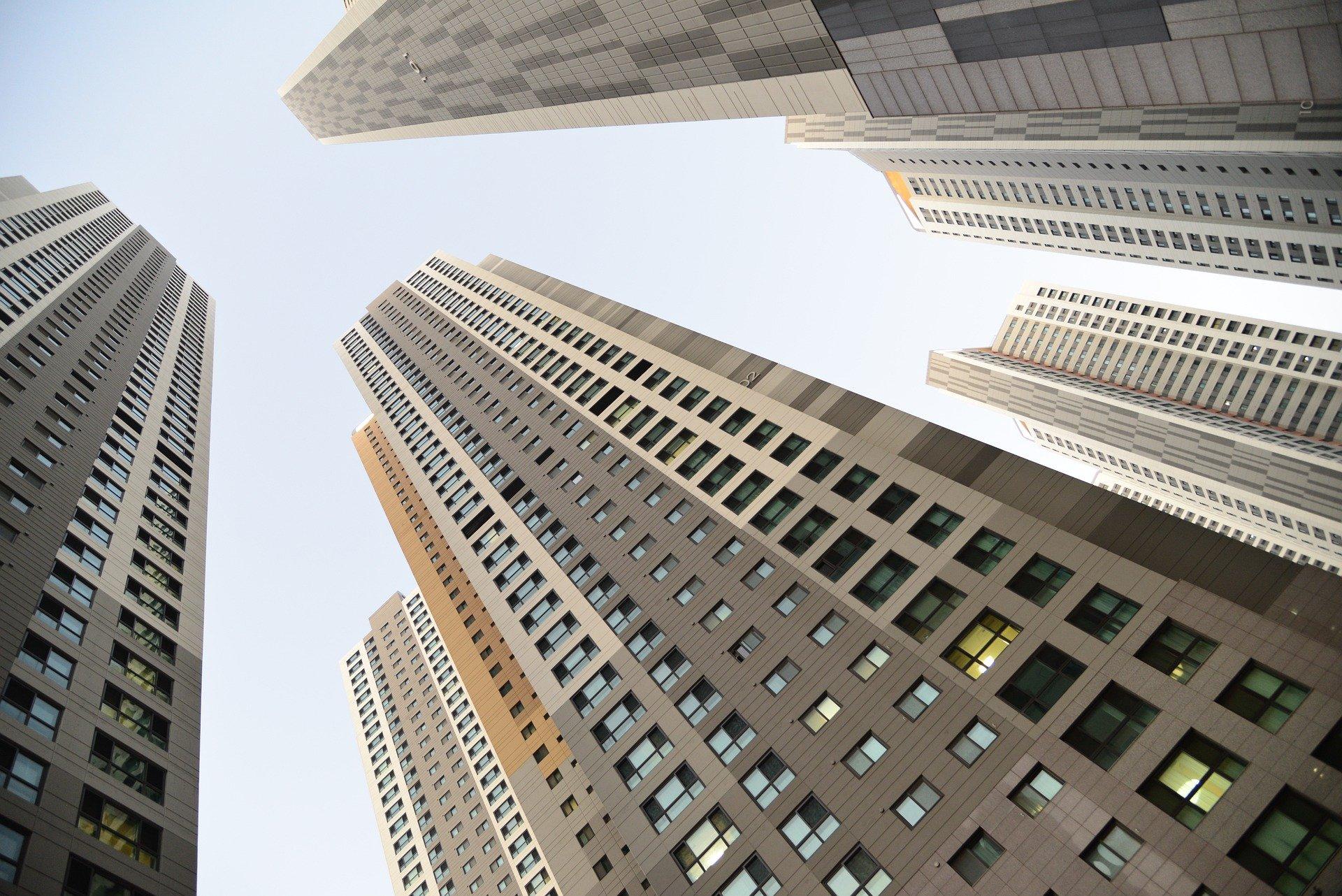 """多城楼市""""限跌令""""落地:部分房企因资金紧张降价,划定跌停线防治乱象"""
